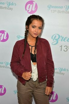 Isabela Moner Photos - Isabela Moner attends Breanna Yde's Birthday Party at Lucky Strike Lanes at L. Live on June 2016 in Los Angeles, California. - Isabela Moner Photos - 534 of 655 Isabela Moner, Best Online Casino, I Have A Crush, Famous Girls, Family Outfits, Celebrity Hairstyles, Celebrity Crush, Actors & Actresses, Ideias Fashion