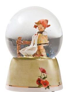 Hummels Snow Globe