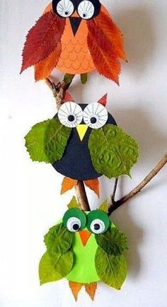 Owls made with leaf wings (diy projects halloween kids) Fall Crafts For Kids, Toddler Crafts, Diy For Kids, Kids Crafts, Kids Magnets, In Natura, Halloween Nails, Pin Collection, Kids And Parenting