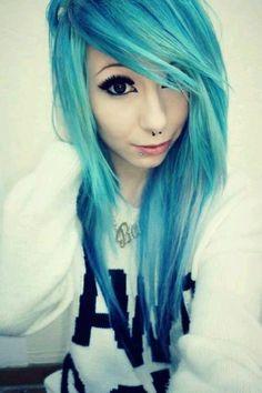 Emo cheveux bleu / snakbites + septum