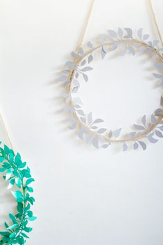 pinned by barefootstyling.com DIY Paper Cut Christmas Wreath | Fall For DIY