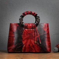 """Designer Inspired"" Genuine Italian Leather Tote Bag https://largepurseshop.com/collections/ladies-leather-handbags/products/designer-inspired-genuine-italian-leather-tote-bag"