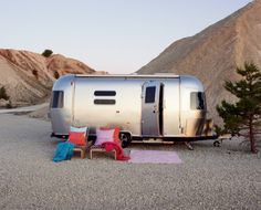 Air Stream-Oh, but you look sweet, upon the seat of an Airstream built, for two...