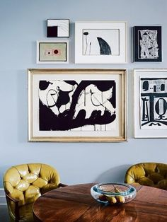 The most beautiful gallery walls from the pages of Vogue Living: In a corner of Ellen Hanson's Manhattan apartment a selection of monochromatic works hang behind a Dunbar table Entryway Decor, Bedroom Decor, Wall Decor, Wall Art, Home Interior, Interior And Exterior, Interior Design, Interior Decorating, Manhattan Apartment