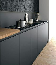 Keuken zwart. Black kitchen industrial. Industrieel
