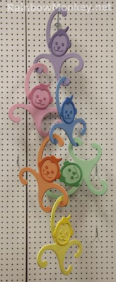 These RainbowMonkey childrens clothes hangers look like a great idea, I wish I would have thought of that