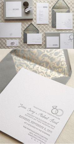 invitaciones de boda en blanco, gris y dorado con sobre con forro impreso