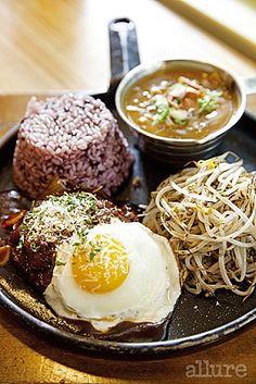 Hamburg Steak in Seoul It brings back old memories.