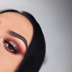 Eyes: @morphebrushes x @jaclynhill palette #morphexjaclynhill  Brows: @anastasiabeverlyhills #dipbrowpomade dark brown  Face: @diormakeup #diorskin star 012 @katvondbeauty lock-it concealer creme L3  @toofaced #milkchocolatesoleil bronzer @lauramercier #translucent powder Highlight: @beccacosmetics moonstone Lashes: @beautylashespl Holly #mua #makeup #selfie #polishgirl #muapl #makeupartist #makeupaddict #girl #makeupforbarbies #abhbrows #followme #undiscovered_muas #plgirl #l4l #f4f…