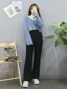 Look at this Cool korean fashion ideas 7517711391 Source by ModaDiariaa fashion idea Korean Girl Fashion, Korean Fashion Trends, Ulzzang Fashion, Korean Street Fashion, Kpop Fashion Outfits, Korea Fashion, Asian Fashion, Look Fashion, Fashion Ideas