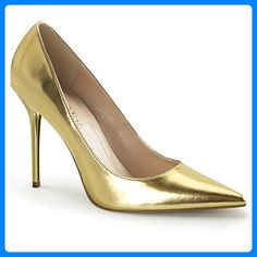 Shoes Gold Pointed Toe court shoes in gold patent with chic pointed toe which thin the foot and front flat sole which contrasts the extra-thin 4 inch cm) stiletto high heels in matching gold colour. Pointed Toe Pumps, High Heel Pumps, Pump Shoes, Shoes Heels, Sexy Heels, Women's Shoes, Stiletto Heels, T Strap Pumps, Shoes