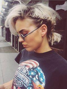 "Képtalálat a következőre: ""anne marie"" Curly Hair Styles, Natural Hair Styles, Anne Maria, Singer Songwriter, Just Girl Things, Woman Crush, Ombre Hair, New Hair, Hair Inspiration"