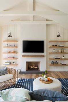 Living Room With Fireplace, Home Living Room, Living Room Designs, Living Room Decor, Living Spaces, Piece A Vivre, Fireplace Design, Fireplace Ideas, Living Room Inspiration