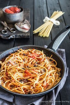All About Risotto in Italian Food Italian Pasta, Italian Dishes, Italian Recipes, Pasta Amatriciana, Stuffed Hot Peppers, Food Dishes, Pasta Recipes, Good Food, Food And Drink