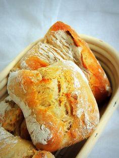 Mein Beitrag zum heutigen World Bread Day 2014  sind diese wunderbaren Gute-Morgen-Brötchen...  Steph ,Inhaberin des kleinen Kuriositäte...