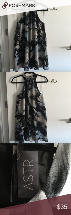 """Shift dress Shift dress by ASTR from Nordstrom. Sleeveless with round neck. Multicolor. I am 5'3"""" and the bottom hem hits at the knee. Only worn twice. ASTR Dresses Midi"""
