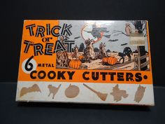 Vintage Halloween Metal Cooky Cookie Cutters Trick or Treat In Box Witch Cat Bat