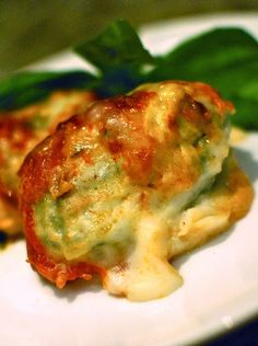 Scrumpdillyicious: Spinach & Ricotta Gnudi with Béchamel Sauce