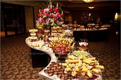 The type of layout is what I would want. Fruit Buffet, Food Buffet, Buffet Ideas, Catering Food Displays, Catering Ideas, Reception Food, Wedding Reception, Wedding Ideas, Wedding Buffet Food