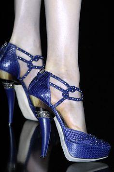 highqualityfashion:      Christian Dior FW 09 details