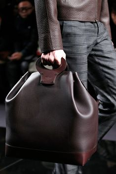I need this bag just so i can lose all my belongings I'm this beautiful creation ~ Louis Vuitton Fall 2013