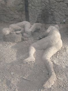 "Clothes were definitely burned - bodies were surprisingly intact, reminiscent of the wife of Lot turning to ""pillar of salt"" during the Destruction of Sodom & Gomorah Ancient Pompeii, Pompeii Ruins, Pompeii Italy, Pompeii And Herculaneum, Ancient Ruins, Ancient History, Empire Romain, Roman City, Roman History"