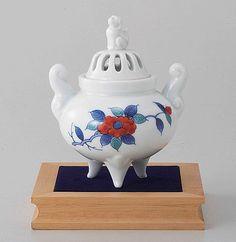 Tokyo Matcha Selection - Arita Porcelain Cencer : Camellia - Incense Burner Holder w Base