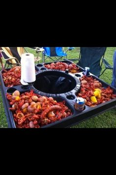 Crawfish boil table!!! I want this!!!