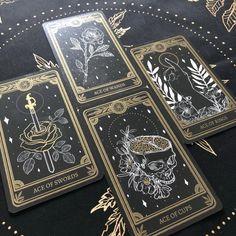 Tarot Card Decks, Tarot Cards, Dark Souls, Dark Fantasy, Stampin Up Karten, Save The Date Karten, Tarot Learning, Tarot Card Meanings, Modern Witch