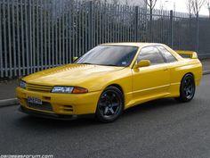 Nissan Skyline GTR-R32 in yellow, http://www.daidegasforum.com/forum/foto-video-4-ruote/594828-nissan-skyline-gtr-r32-raccolta-foto-thread.html