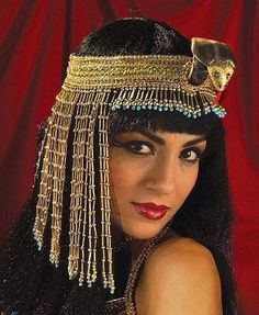 Glamorous Cleopatra Asp Headpiece for Ladies. Egypt's goddesses will look fabulous in the gorgeous asp snake beaded headpiece. Fabulous headpiece that will enhance your Cleopatra/roman/Egyptian goddess look. Ancient Egyptian Women, Egyptian Goddess, Cleopatra Costume, Egyptian Costume, Egyptian Party, Halloween Costume Accessories, Sexy Halloween Costumes, Couple Halloween, Mummy Costumes