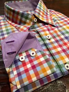 Colorfully nice J. Mens Clothing Lines, Shirt And Tie Combinations, Mens Designer Shirts, Man Dressing Style, Gq Fashion, Summer Shirts, Gentleman Style, Shirt Style, Casual Shirts