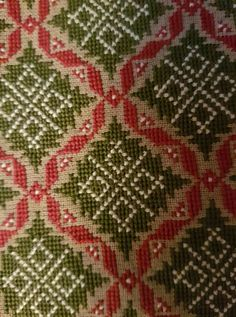 Palestinian Embroidery, Crochet Tablecloth, Cross Stitch Flowers, Knit Crochet, Tools, Patterns, Knitting, Fabric, Ideas