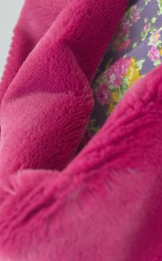 Silky, luxurious and draping raspberry fur fabric. Very pliable, insanely soft to the touch, add a warm trim or go the full whack! Color Filter, Draping, Raspberry, Fur, Fabrics, Touch, Tejidos, Furs, Fabric