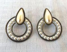 1930's Vintage Art Deco Faux Pearl Pierced Earrings.