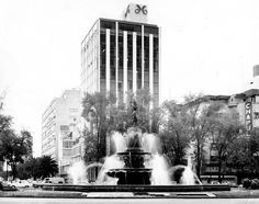 Diana the Huntress Fountain on Reforma Avenue 1960's. The tower and building to the right were demolished.