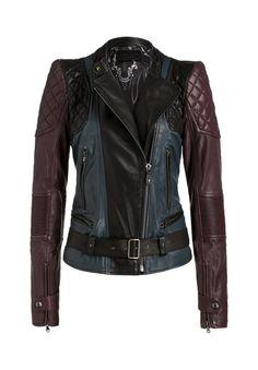 Wow - diese Lederjacke ist ein absolutes Schmuckstück! Der coole Biker-Look, das besonders weiche Leder und die lässige Farbkombination sprechen für sich!