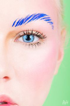 Extreme Eyebrows: Pushing the Limits On the Bold Brow Trend | Beauty High