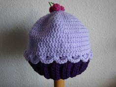 (Made by Susanne Elfrom Nguyen) Hæklet cupcake hue. Opskrift eget design
