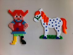Pippi Langstrømpe og hendes hest Diy Perler Beads, Perler Bead Art, Pearler Beads, Fuse Beads, Fuse Bead Patterns, Beading Patterns, Pippi Longstocking, Pony Beads, Diy For Kids