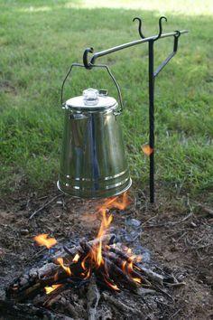 Фотография camping tools, camping hacks, camping equipment, camping gear, o