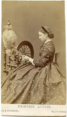 photo of Princess Louise - who was a member of the British Royal Family, the sixth child and fourth daughter of Queen Victoria and her husband, Prince Albert. Photographer is Hills & Saunders out of Eton & Oxford, England. Antique Photos, Vintage Pictures, Vintage Photographs, Old Pictures, Old Photos, Spinning Wool, Hand Spinning, Spinning Wheels, Reine Victoria