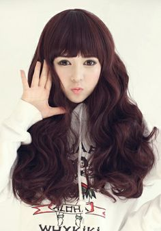 Soft waves on baby doll hair. on The Fashion Time  http://thefashiontime.com/5-best-korean-hairstyles-long-hair/#sg8