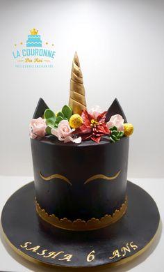 Black Unicorn Cake & sugar flowers Gâteau Licorne noire et fleurs en sucre