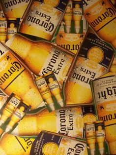 Corona Beer is considered by many as the official beer of Cinco de Mayo, an American Hispanic holiday. And this is only as it should be as Corona was the beer company that first popularized the holiday in the United States. Hispanic Culture, Gula, All Beer, Beer Company, Corona Beer, Paint Shop, Pattern Wallpaper, Brewery, Alcoholic Drinks