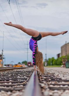 Are you a gymnast? Show it off in your Senior Pictures!