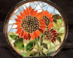 Stained Glass Mosaic Display Plate--Red Sunflowers by DawgHouseCreations on Etsy Mosaic Tray, Mosaic Glass, Mosaic Tiles, Glass Art, Mosaic Art Projects, Mosaic Crafts, Mosaic Designs, Mosaic Patterns, Mosaic Stepping Stones