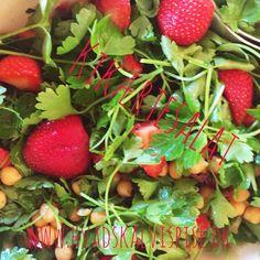 Kikærte salat med jordbær.