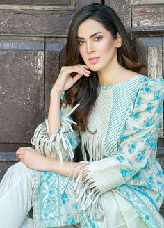 Five Star Printed Lawn Unstitched 3 Piece Suit - Spring / Summer Collection Kurti Sleeves Design, Sleeves Designs For Dresses, Kurta Neck Design, Neck Designs For Suits, Sleeve Designs, Frock Fashion, Kimono Fashion, Women's Fashion Dresses, Pakistani Fashion Party Wear