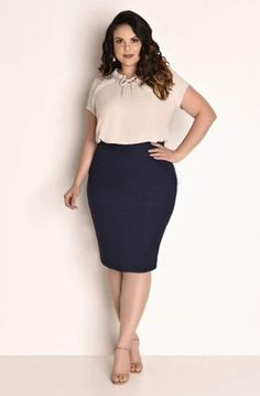 How to Dress Over 50 and Overweight In a world of zero figures, you hardly get dresses for your plus size body. But, you cannot deny that the world is developing, and plus-size models ar. Plus Size Work Dresses, Work Dresses For Women, Plus Size Outfits, Clothes For Women, Curvy Work Outfit, Cute Skirt Outfits, Modelos Plus Size, Looks Plus Size, Plus Size Fashion For Women